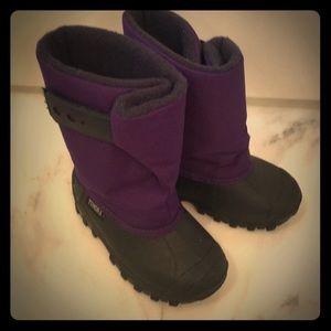 Tundra snow boot. Purple. Size 8.
